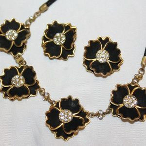 VTG Brass Suede Flower Necklace Set SU2